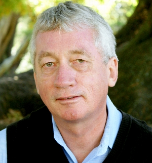 Frans de Waal | <i>Mama's Last Hug: Animal Emotions and What They Tell Us about Ourselves</i>