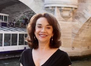 Elaine Sciolino | <i>The Seine: The River That Made Paris</i>