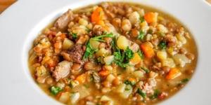 Sopa de Lentejas y Chorizo with Jezabel Careaga