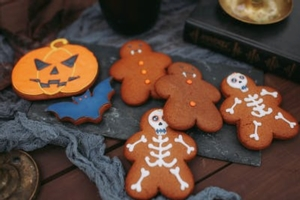 It's Halloween All Month:  Cookie Decorating