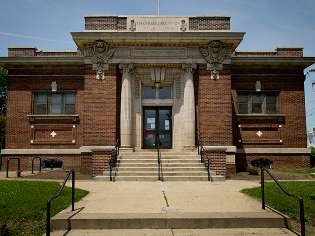 Photo of Holmesburg Library