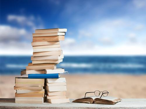It's Beach Reads season once again!