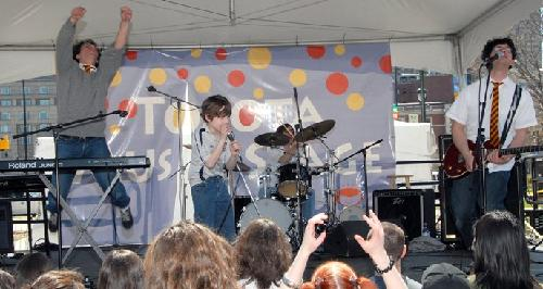 Harry and the Potters featuring special guest, and Philadelphia native, 8-year-old Darius Wilkins of the Hungarian Horntails at the 2007 Philadelphia Book Festival