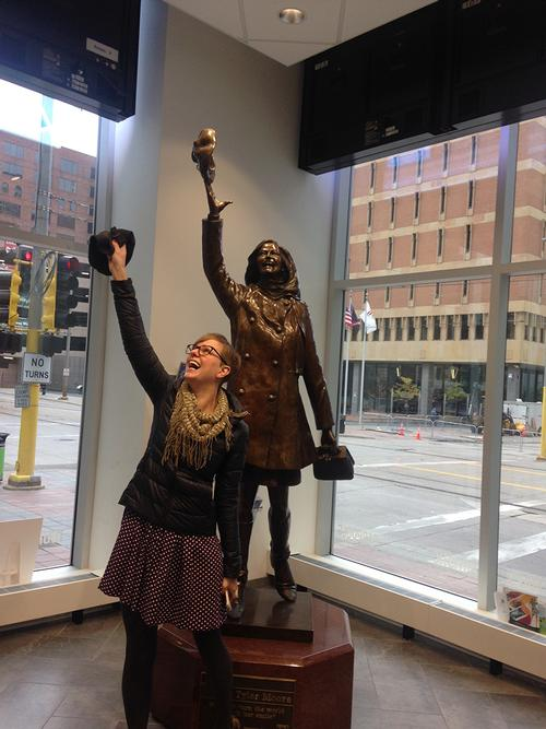 Mary Tyler Moore (statue) and me at Nicolette MallMinneapolis, MN