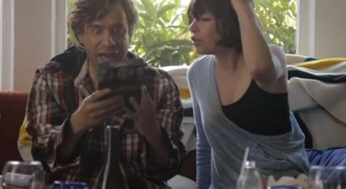 Fred and Carrie from Portlandia binge-watch Battlestar Galactica