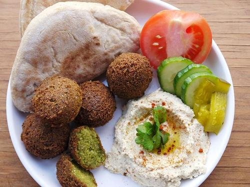 Follow the recipe in this blog post and make your own delicious falafel at home!