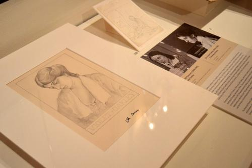 Display case featuring Violet Oakley and Edith Emerson in Of Two Minds: Creative Couples in Art & History.