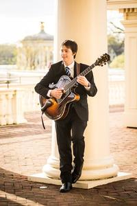 Dan Hanrahan will lead a band at the Free Library in January 2015