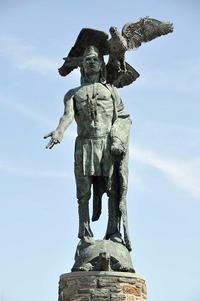 Statue of Tamanend by Raymond Sandoval