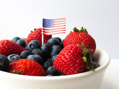 Families, get ready for Independence Day by making red, white, and blue fruit kebobs with the Free Library on July 3.