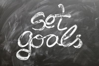 Taking small steps can help you accomplish big tasks! (Photo: Gerd Altman, Pixabay)